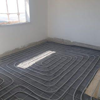 מערכת חימום תת רצפתי על שטח של 120 מ