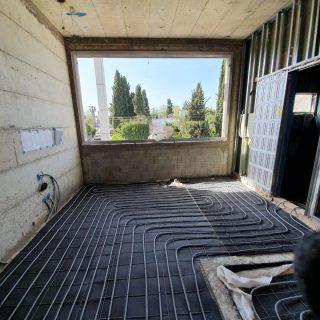 התקנת חימום תת רצפתי על בסיס מים בתל אביב